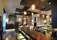 Vista del banco e dell'ingresso - La Capannina ristoranti pizzerie torino - via Donati, 1 - 10121 - 011545405